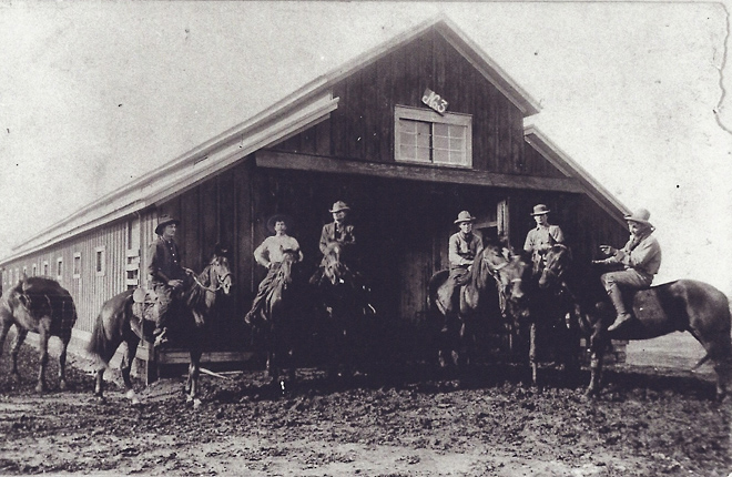 Cavalry stables at Fort Reno in early 1900s