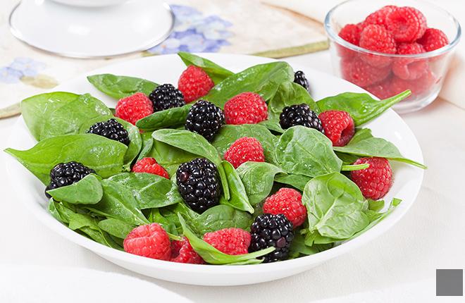 Salad of spinach, blackberries, and raspberries